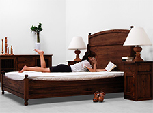 無垢チークの木の温もりあふれるベッド【送料&設置無料】シングル〜キングまで♪