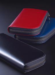 財布職人の高い技術を集約!経年変化と共に艶が増す「松阪牛レザー長財布」