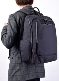 強靭な素材の「ケブラー」を贅沢に採用!機能・快適性を追求したリュック